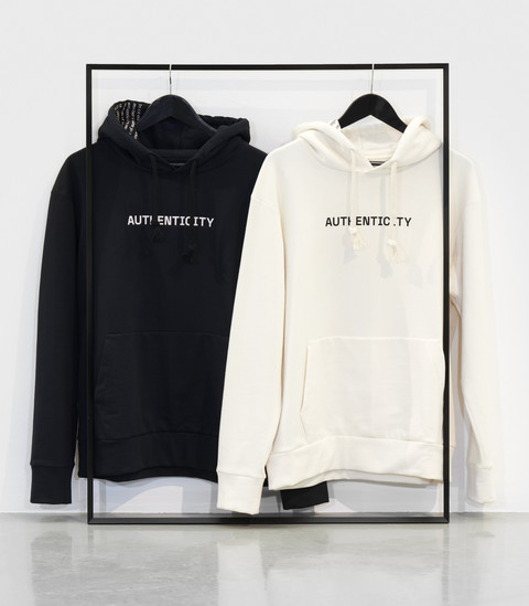[Translate to Englisch:] Authenticity HOODIE